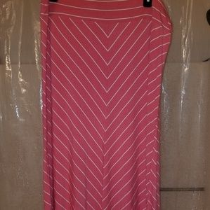 Ava and Viv XXL maxi skirt coral and white stripe
